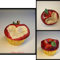Sparkling Christmas Apple Cupcakes A Christmas variation on my earlier apple cupcakes. A heart bite makes them a lovely gift for teachers or loved ones. A tutorial on these...