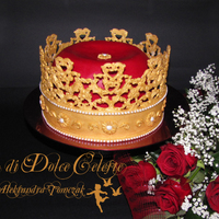 "Crown Cake This is my two pieces birthday cake made by me! Crown was made with 24 carats ""gold"" (homade fondant) with ""true""..."