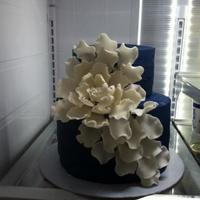 Blue Velvet Wedding Cake With Peony *Blue Velvet Wedding cake with peony
