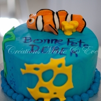 Nemo B-Day Cake CHocolat cake covered in fondant and fondant Nemo
