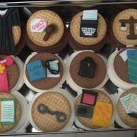 Courtroom Themed Cupcakes!   They look great together!