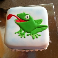 Frog Cake   First Lesson on making cake with flood work