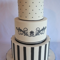 Black And White Wedding Cake An adaptation of a previous cake of mine. Two horseshoes were placed on top at the venue.