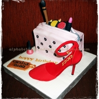 Gucci Shoes And Cosmetic Bag Cake