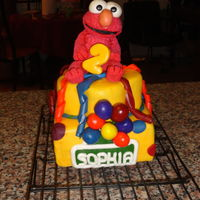 Elmo Cake Full cake display.