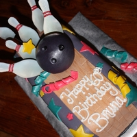 Bruna's Bowling! Bowling Lane Birthday Cake. Join me at facebook.com/creamcakery!