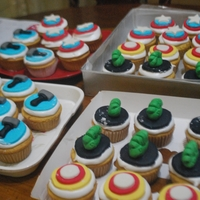 Avengers Cupcake cupcake for the orphanage. I used MMF and boiled icing. :)
