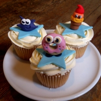 Moshi Monsters Moshi Monster cupcakes...... I like these cute little fella's. All edible, made with Gum Trag.Iggy - Coolio - Oddie
