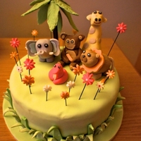 Safari This cake was for a group of 5 year olds. I only had an evening to make it so the animals started to go a bit down hill as the time went on...