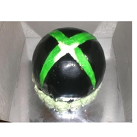 Xbox Logo   My first attempt at a round cake