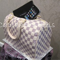 Louis Vuitton Damier Azur Canvas Speedy Bag Cake Louis Vuitton Damier Azur Canvas Speedy bag cake with edible iphone and Mac palette.