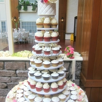 Wedding Cupcake Tower Wedding cupcake tower, 150 cupcakes