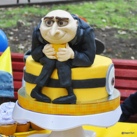 Despicable Me Despicable Me cake, cupcakes and cookies by Vsemtort