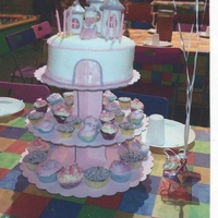 6Th Birthday Cake Small 3 Turette Top tier with matching cupcakes