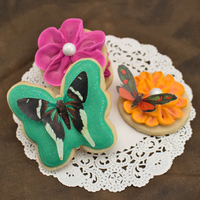 Wafer Paper Butterfly Cookies Use wafer paper to create stunningly detailed cookie designs!