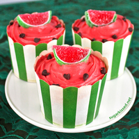 Watermelon Cupcakes Arrive at your next picnic with an unforgettable treat!