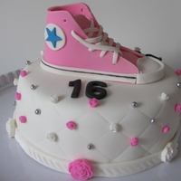 Sweet Sixteen My first cake with a converse shoe