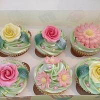 Pretty Green, Pink And Yellow Flower Cupcakes *