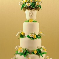 Lemon & Green Inspired Wedding Cake As featured in Cake Central Magazine, Volume 3 Issue 5 Edition, July 2012. Photography: http://trevorglenn.com