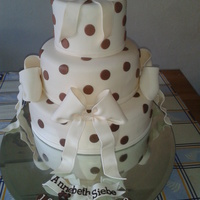 Weddingcake Withe Strawberry-Yoghurt And White Chocolat-Yoghurt Filling the bows are made of gumpaste