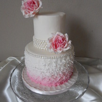 Ombre Petalcake With Vintage Roses Ombre Petalcake with vintage roses