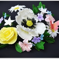 Gum Paste Flower Arrangement, Enter To Win http://leascooking.blogspot.com/2013/04/daisies-cake-recipe-blogoversary-and.html