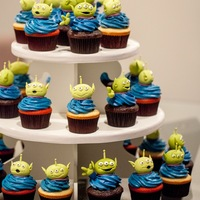 Toy Story Alien Cupcakes 30 Aliens, 90 eyeballs and 180 upper/lower eyelids later. :)