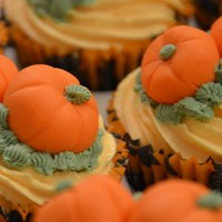 Cute Little Halloween Cupcakes!