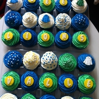 Cupcakes Cupcakes for a Ice Hockey Teams Party in the Colours of the Teams Shirts