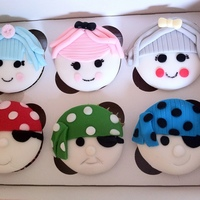 Lala Loopsy & Pirate Cupcakes VANILLA CUPCAKES WITH BUTTERCREAM & FONDANT FACES