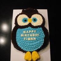 Owl Cake Owl cake made using 1 - 10 inch round for the body, 2 -6 inch rounds for the eyes and 1 - 10 inch round to cut the feet, wings and head/...