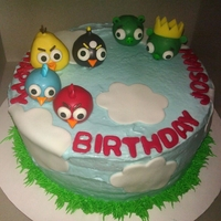 Angry Bird Cake W/ Cake Pops On Top Tried not to use alot of fondant, Angry Birds are cake pops