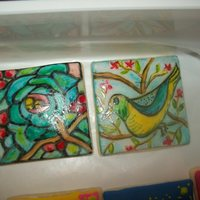 Painted Fondant These are two painted fondant cookies.