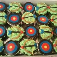 Archery Cupcakes My son was practising archery and for the last class I made these cupcakes, with arrows and dartboards... It was great that the weather was...