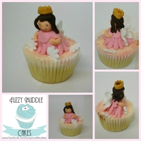 Fairy Princess Cupcakes I made these for my niece, they are super cute and super yummy :)