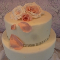 Pink And White Roses Display cake for a local wedding show.Hope you like it and thanks for looking :)