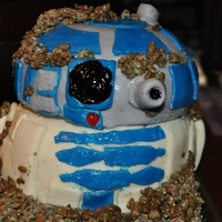 R2-D2 In Degoba Swamp Made this 3D cake for my friend's 4 year old son's birthday. This was my first 3D cake, first with fondant and first tiered cake...