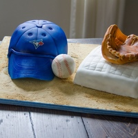 Baseball Cake This was for my niece, who is a huge fan of the Toronto Blue Jay