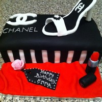 My First Attempt At A Shoe Box Cake Didnt Think Id Done Too Bad And The Lady Liked It Whos Birthday It Was   my first attempt at a shoe box cake, didnt think id done too bad and the lady liked it who's birthday it was!