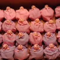 It's A Girl Cupcakes baby girl cupcakes blankets made of fondant