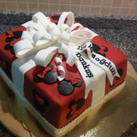Minnie Mouse Present Cake Minnie Mouse Present Cake