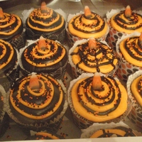 Black And Orange was asked to donate to a fundraiser. I'm not a big Halloween girl so, this is what I came up with. Half are Choc/Orange frosted in...