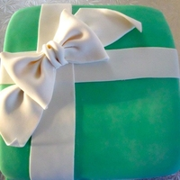 Present Cake Present Cake for a birthday. Very simple! Fondant and Gumpaste