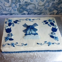 Delft Blue Dutch Themed Cake Coming from a very dutch family I was thrilled to do a dutch themed cake. Made this to look like a delft blue serving plate.