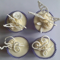 Purple Elegance Cuppies Vanilla/Lemon cuppies with royal icing decoration and dots of buttercream