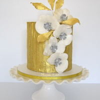 Golden Fantasy A Double Madagascan Vanilla Cake with a creamy Madagascan Vanilla and Caramel filling and covered in a White Chocolate Ganache is the basis...