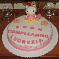 Hello Kitty   torta a tema de hello kitty