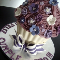 Purple Giant Cupcake ^^