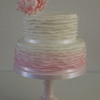 Romantic Weddingcake Romantic Weddingcake with ombre ruffel and Peony