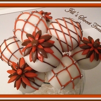 Fall Flower Power Cake Pops These scruptious Cake pops remind me of fall time with the changing of the leaves and weather. The flowers just put a smile on my face!